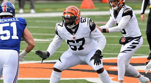 Quinton Spain re-signs with Bengals